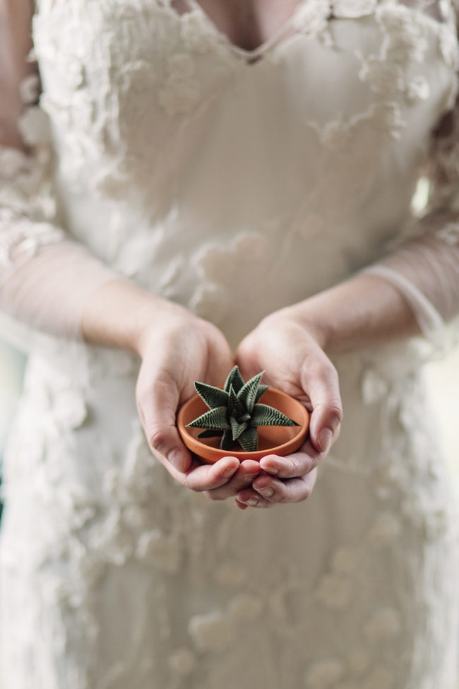 succulent_wedding_bride