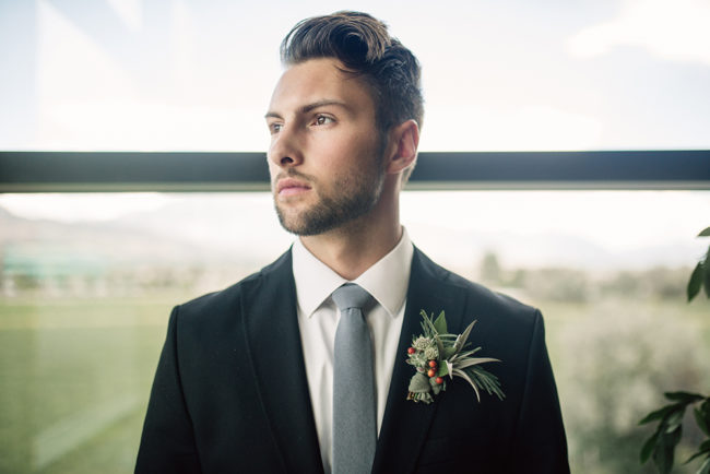 succulent_wedding_boutonniere