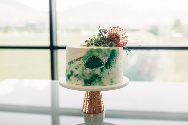 succulent_on_wedding_cake